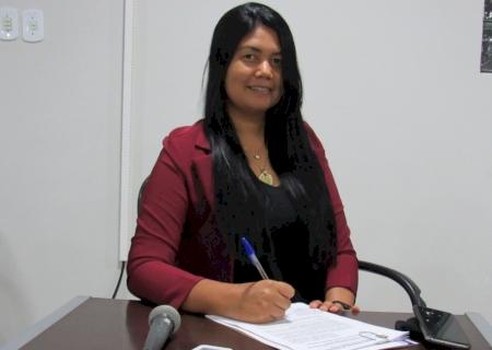 IVINHEMA: Vereadora Mary Rocha pediu recapeamento em ruas do Bairro Itapoã e iluminação na BR-376