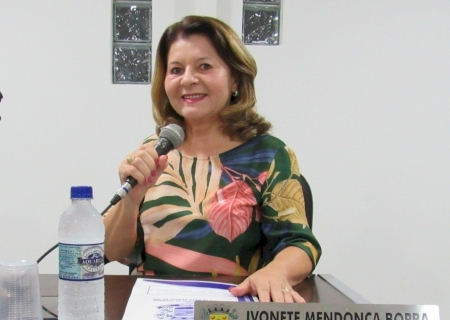 IVINHEMA: Vereadora Ivonete solicitou torre de telefonia, poda de árvores e troca de lâmpadas na Vila Cristina