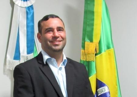 IVINHEMA: Vereador Alessandro indicou a implantação de programa de inseminação artificial e cobrou solução sobre água parada em esquina do Bairro Centro