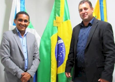 IVINHEMA: José Wilson e Bira solicitam a contratação de um funcionário para entregar as correspondências do Correios no distrito de Amandina